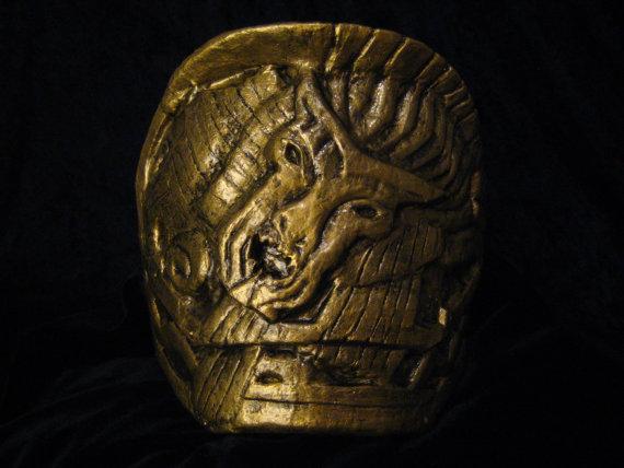 Loki's Shoulder Armor Detail by Thom-Heap