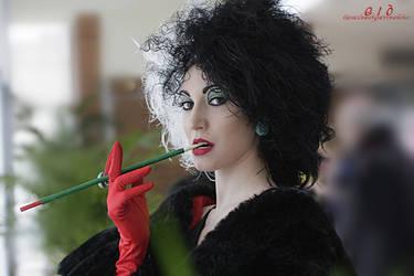 Cruella De Vil: portrait of villainy by Bewitchedrune