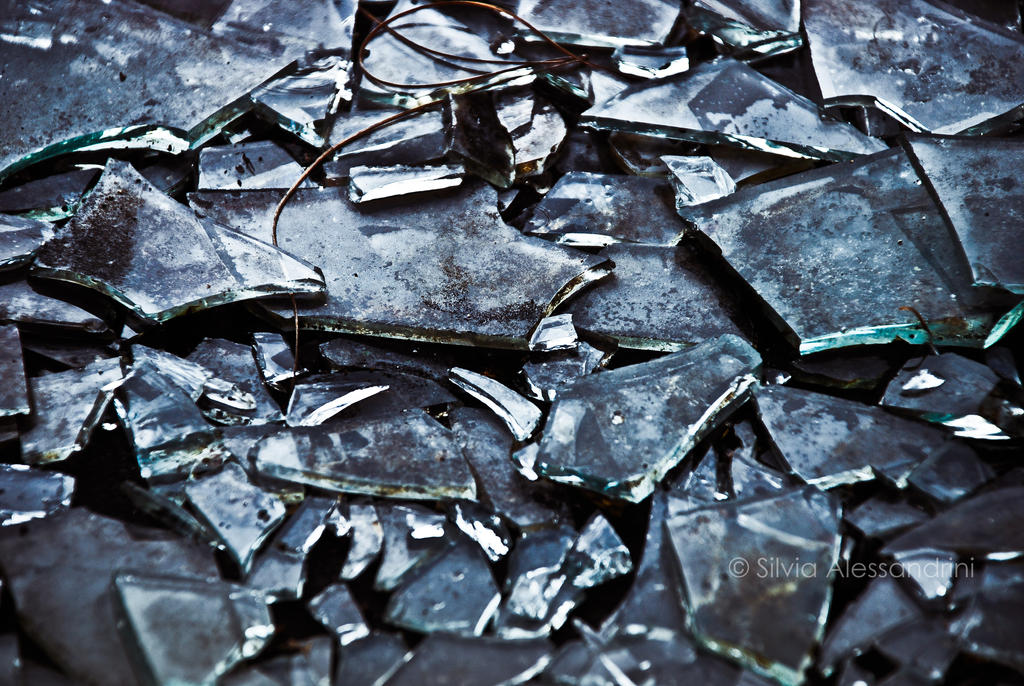 broken glass jewish essay