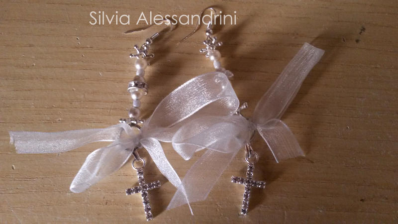 Sparkle crosses and bow white earrings by SilvieTepes