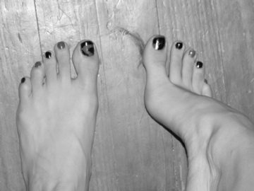 Toes 2 by Kg2124