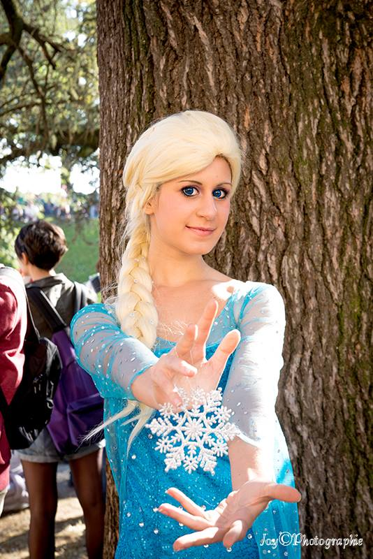 Elsa - Frozen cosplay by Emy182