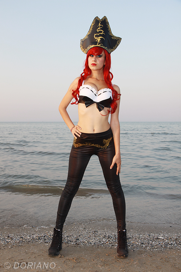 Miss Fortune - Cosplay by Emy182