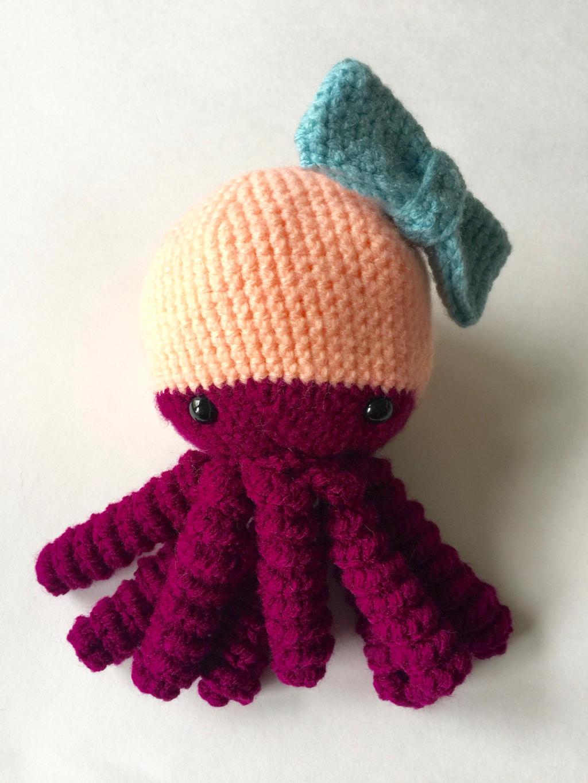 Amigurumi Octopus Anleitung : Amigurumi Octopus with Bow by heyjoob on DeviantArt