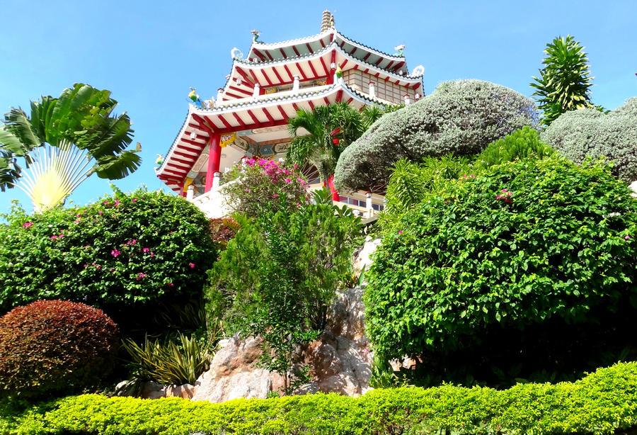Taoist Temple Cebu City by iammillerdejose