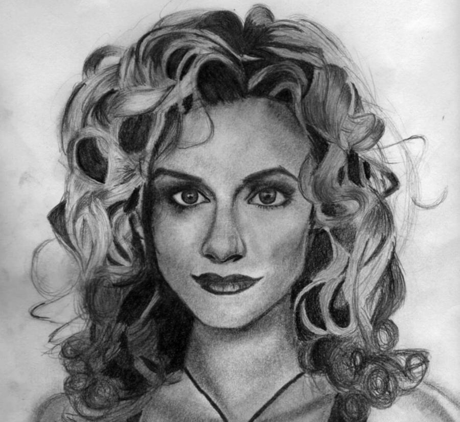 Peyton Sawye... Peyton Artist