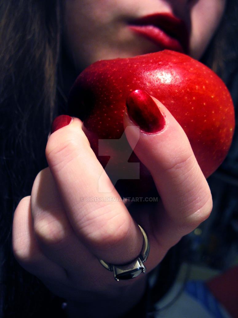 A poisonous apple by 8Iris8