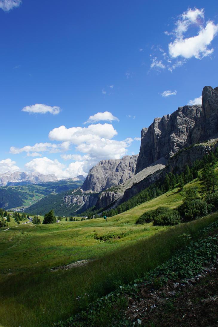 Dolomity Valley by Tikeyx
