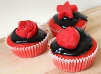 Crimson Tide Cupcakes by claremanson