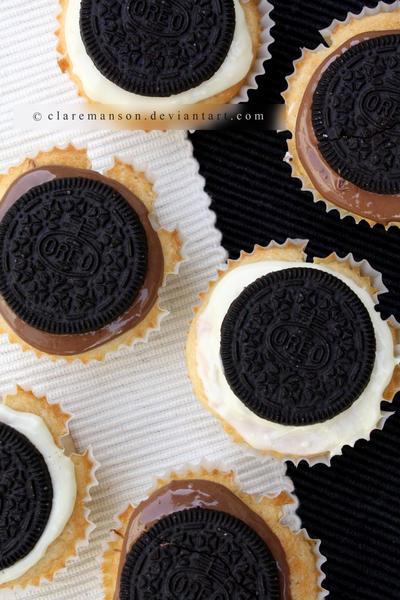 Oreo Cupcakes by claremanson