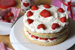 Strawberries and Cream Cake (+recipe)
