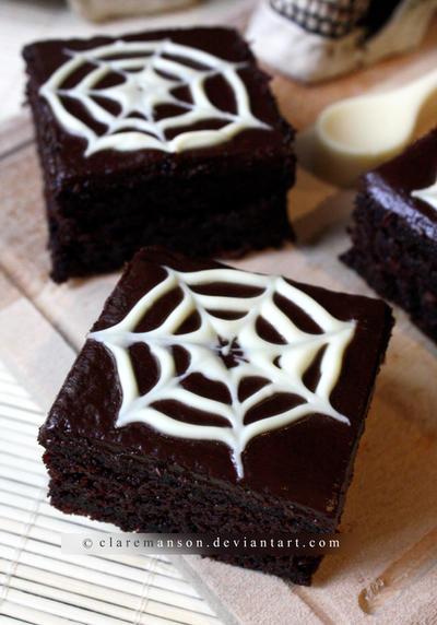 Halloween Web Cake by claremanson