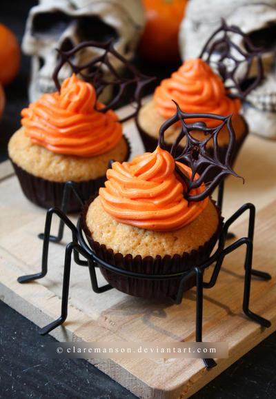 Spider Web Cupcakes by claremanson