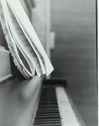 piano by blackrosesfall