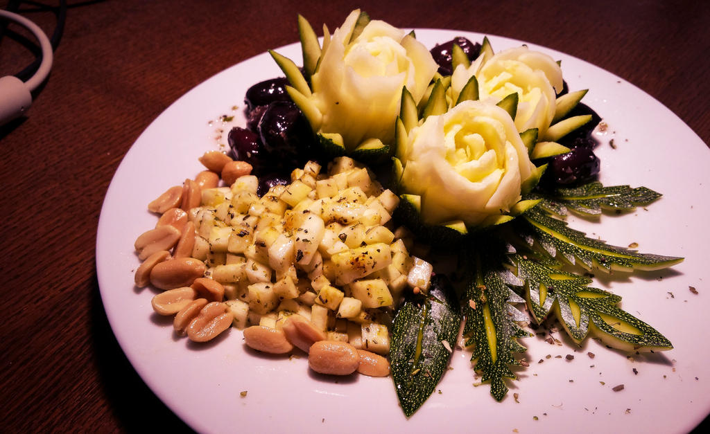 FoodCarving - Zucchini Catus Flower by XResch