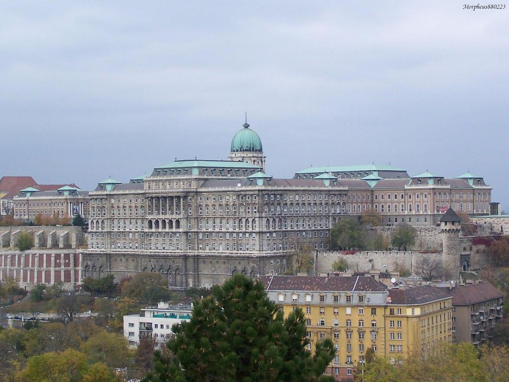Buda castle 2 by morpheus880223