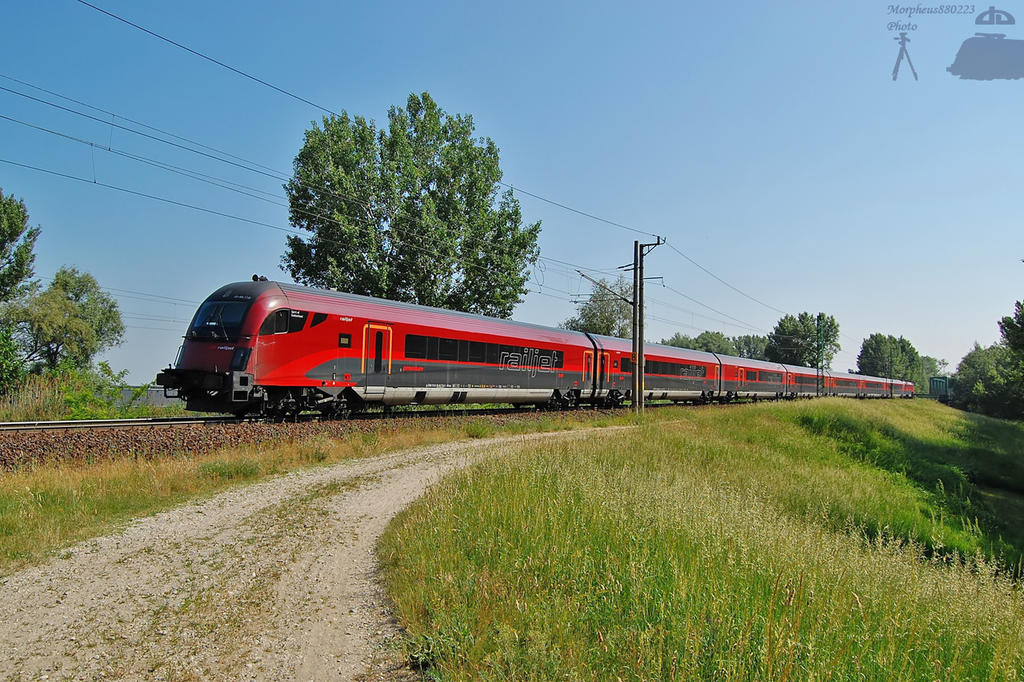 Railjet bw. Gyor and Ikreny by morpheus880223