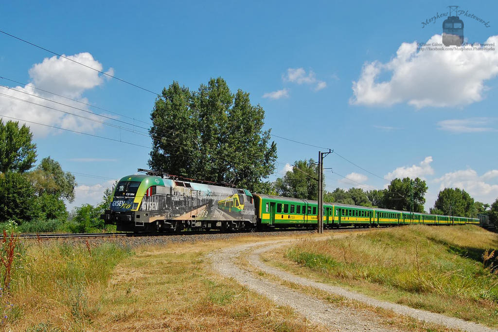 470 504 with special train near Gyor by morpheus880223