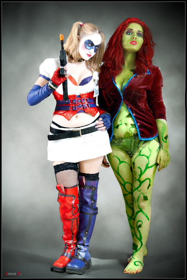 Poison Ivy and Harley Quinn- Arkham Asylum by naaga