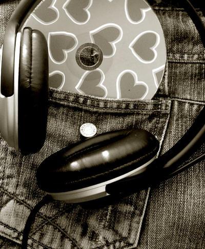 http://fc49.deviantart.com/fs22/i/2008/074/a/0/music_by_merrie91.jpg