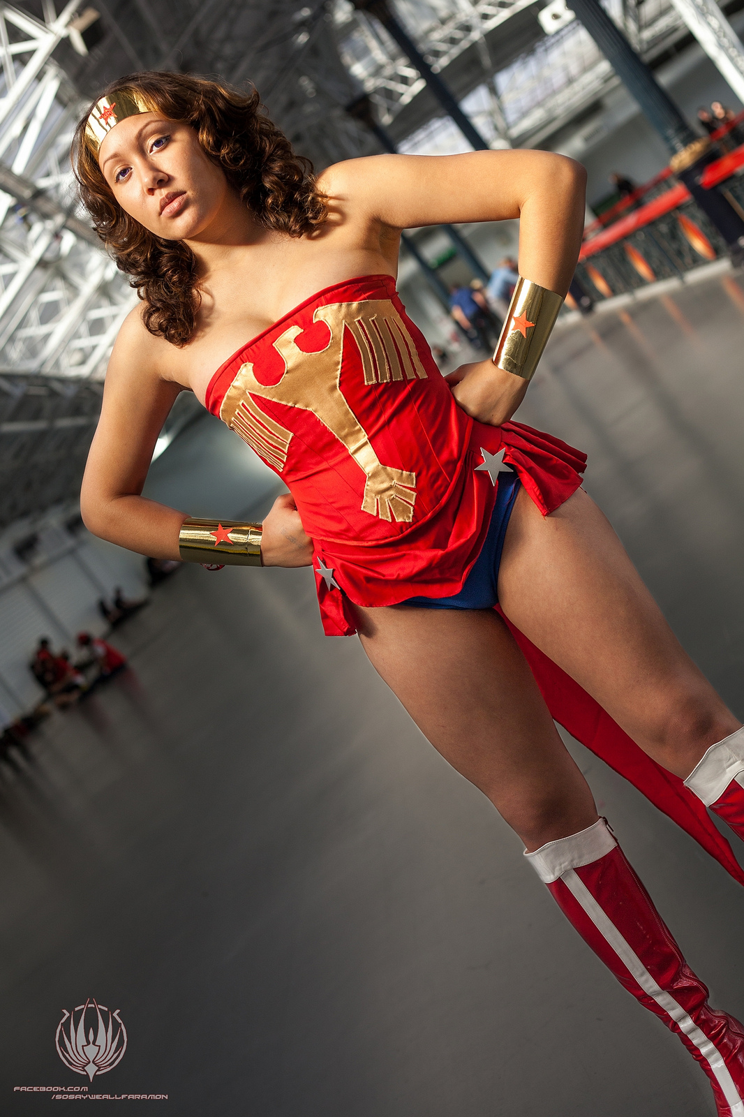 Wonder Woman - Standing Tall by faramon