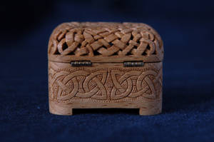 beechen music box woodcarving4