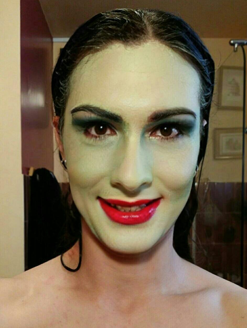 4+ TDA Cartoonish Lips Face Texture by UtauRueCross on