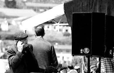 speaker by fotoizzet