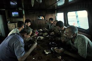 fishermen-lunch by fotoizzet