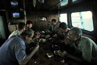 fishermen-lunch