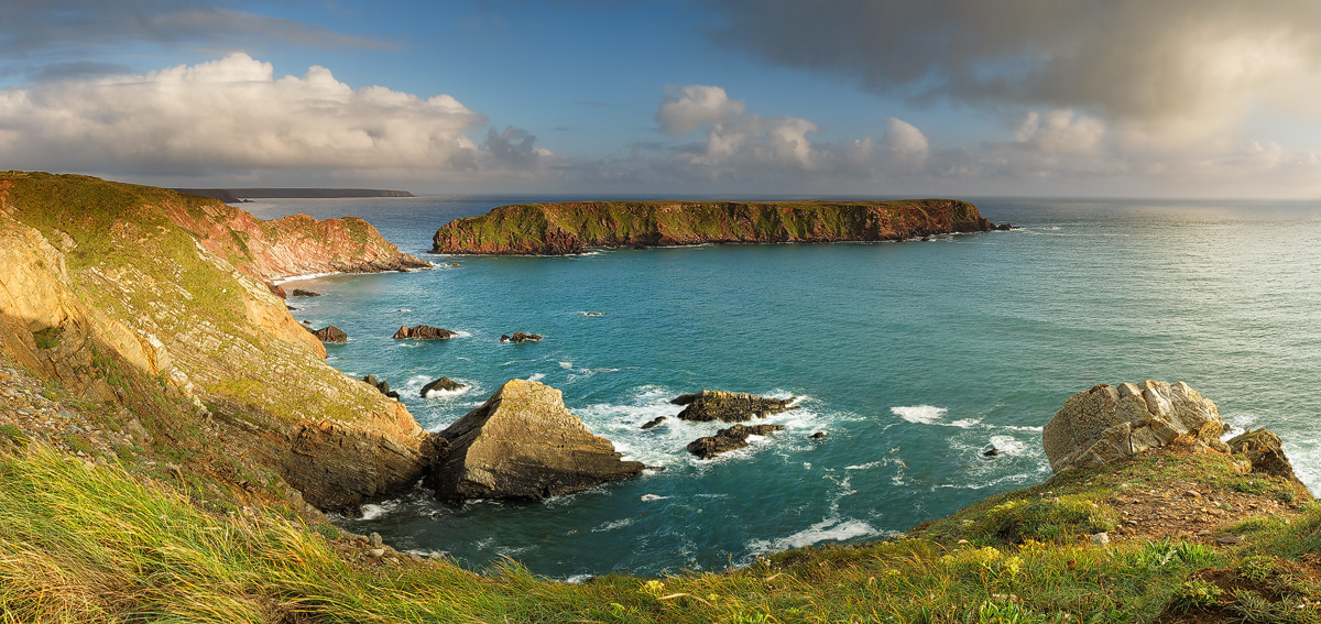 Gateholm Island, Pembrokeshire by JakeSpain