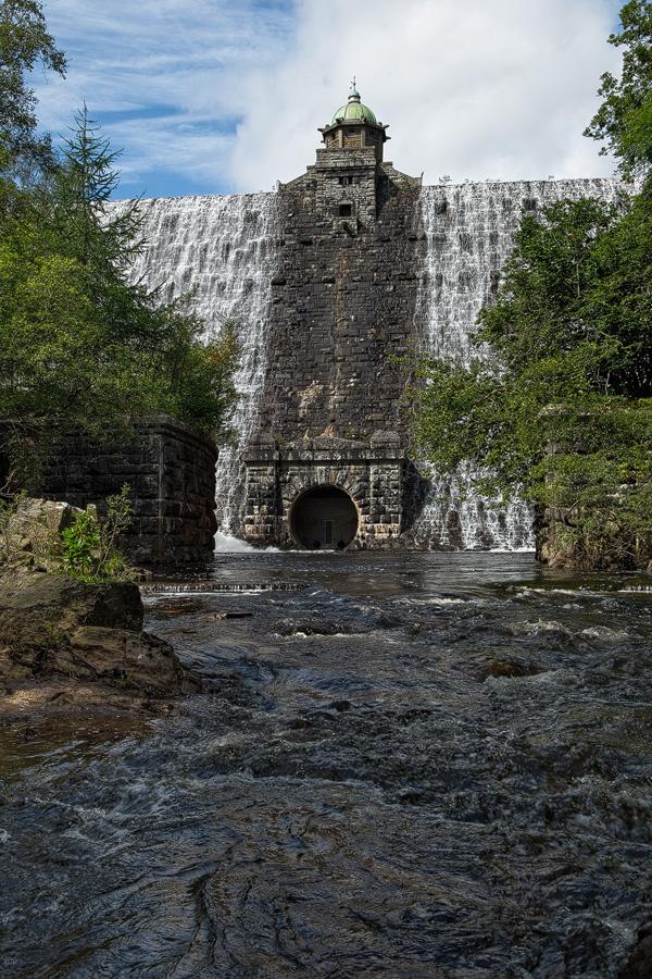 Pen-y-garreg Dam by JakeSpain