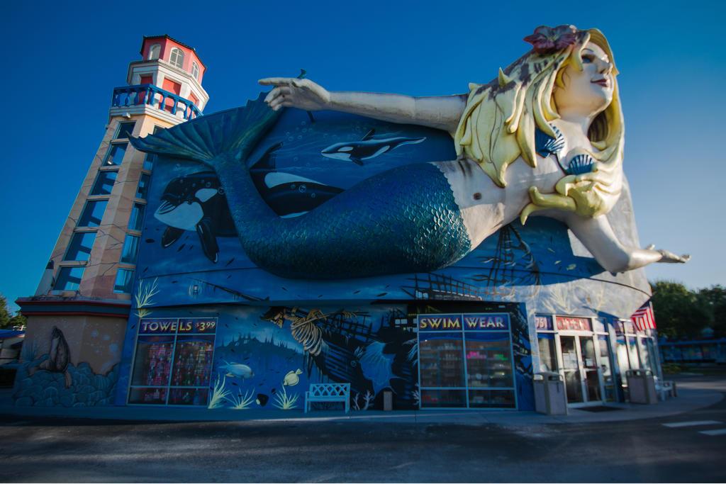 Mermaid Gift Shop by speedofmyshutter