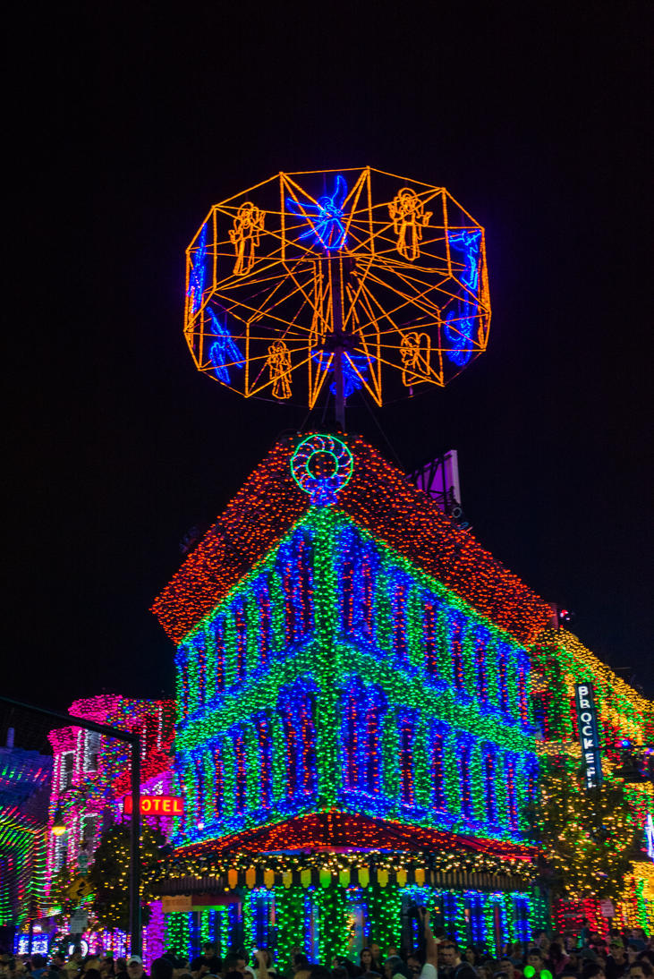 Osborne Spectacle of Lights IV by speedofmyshutter