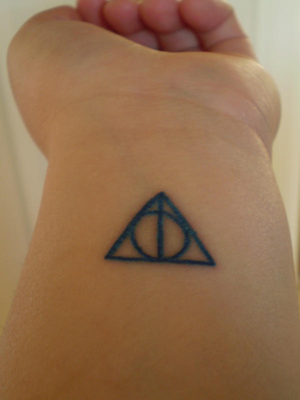 Deathly Hallows by crackerboxx