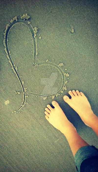 Sandy Love. by xKristinKonfusionx
