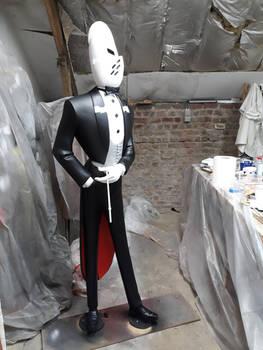 Monsieur Choc - Painting the statue