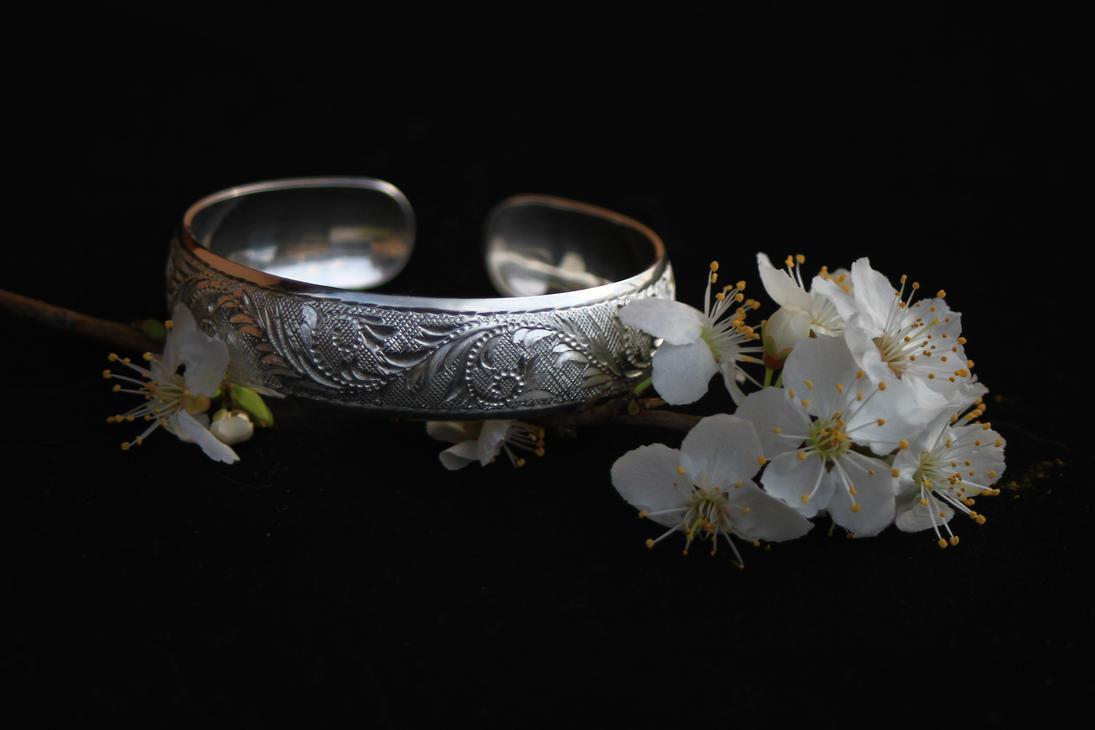 nakit -ukras ili umetnost - Page 3 Engraving_silver_1_by_manuroartis-d32fcoq