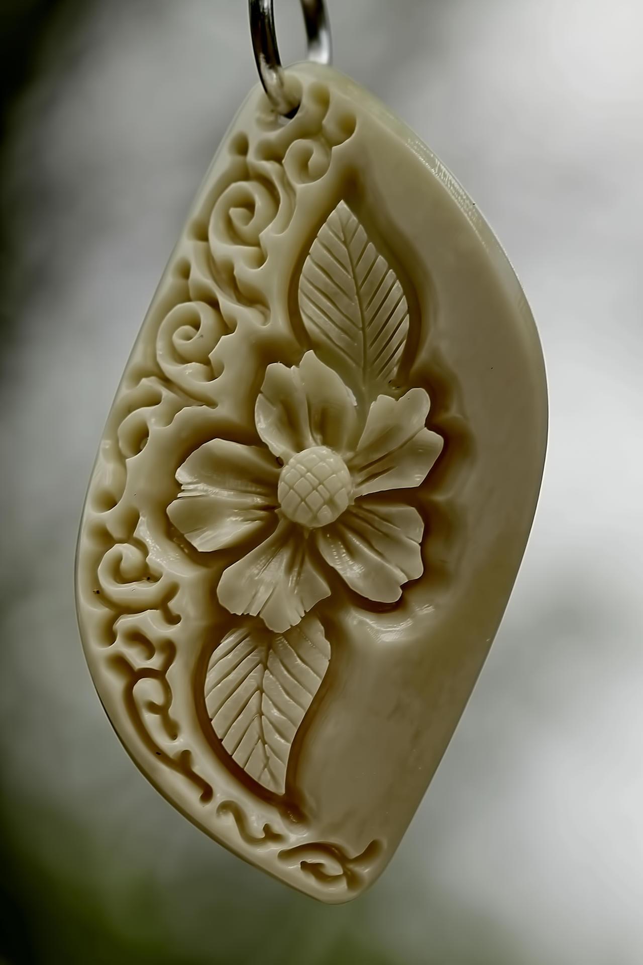 pendant 10 - bone carving by manuroartis