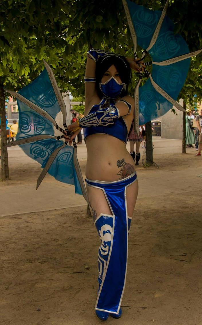 :. Princess Kitana .: by EscapedAngel