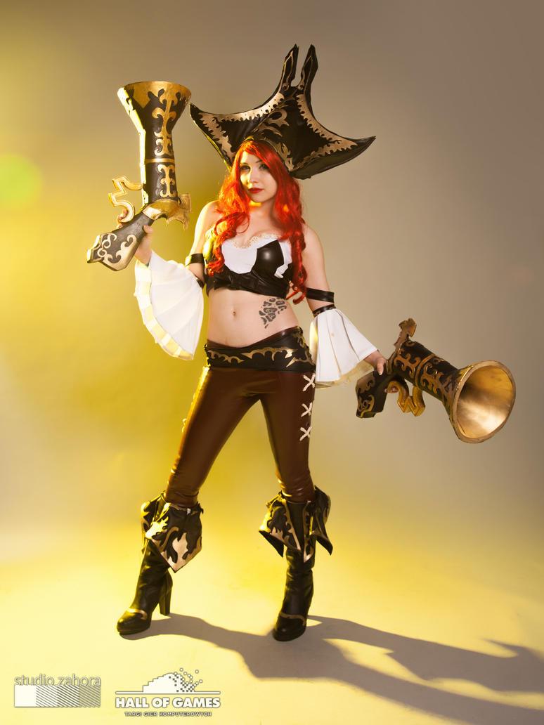 Miss Fortune Cosplay (Lirbis) by Hikarux33