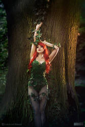 Poison Ivy cosplay by Lirbis by Hikarux33