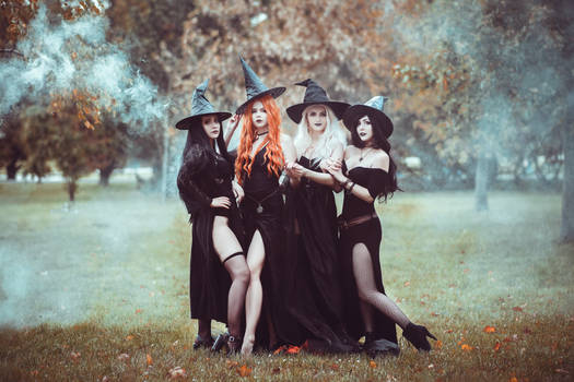 Haloween witches cosplay