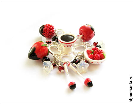 Fondue with red berries 1