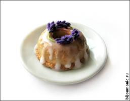 Cream cake with lavender