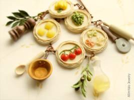 Mama's Italian Cuisine bracelet by allim-lip