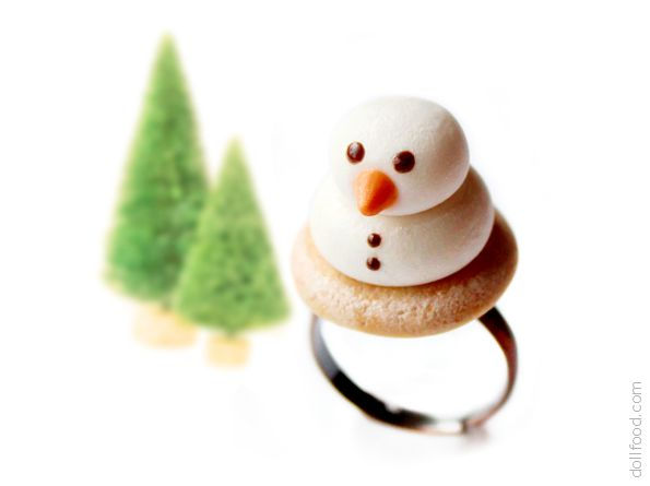 Marshmallow Snowmen Biscuits Ring by allim-lip