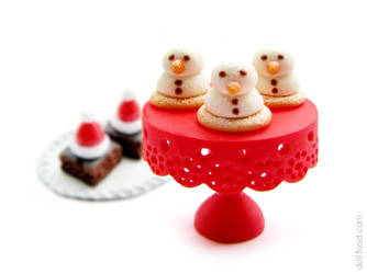 Marshmallow Snowmen Biscuits by allim-lip
