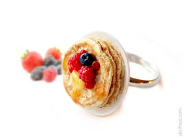 Pancakes with Berries Ring by allim-lip