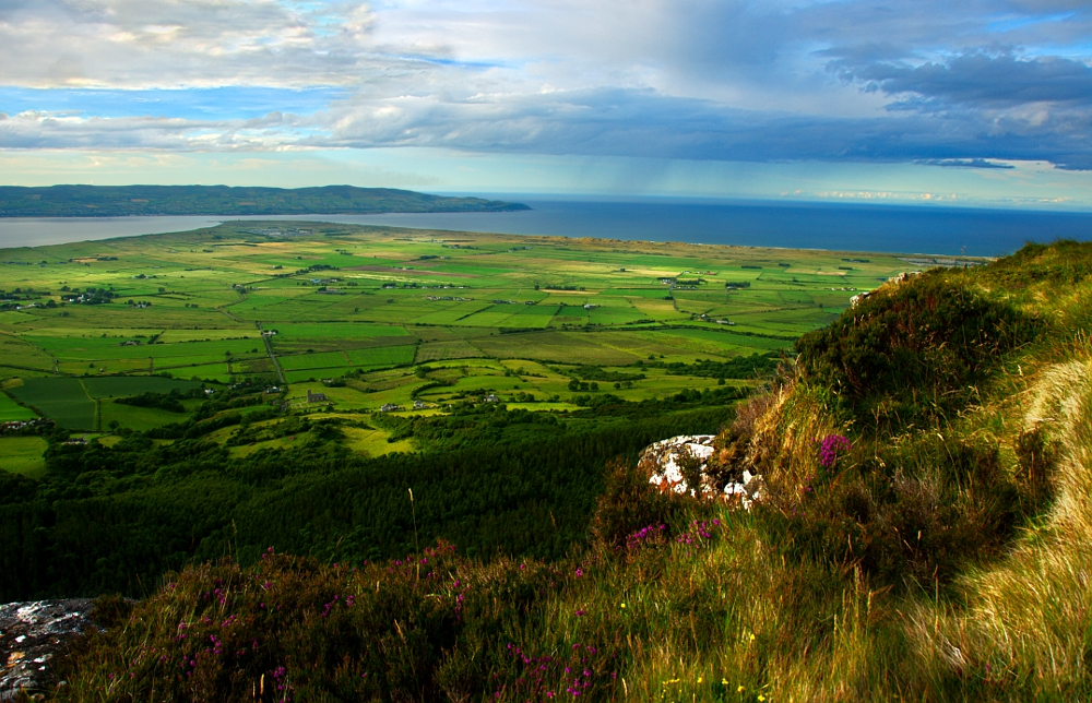 Binevenagh and Benone II by younghappy